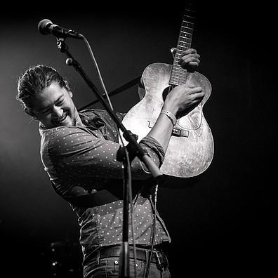 Singer/Songwriter Jay Psaros