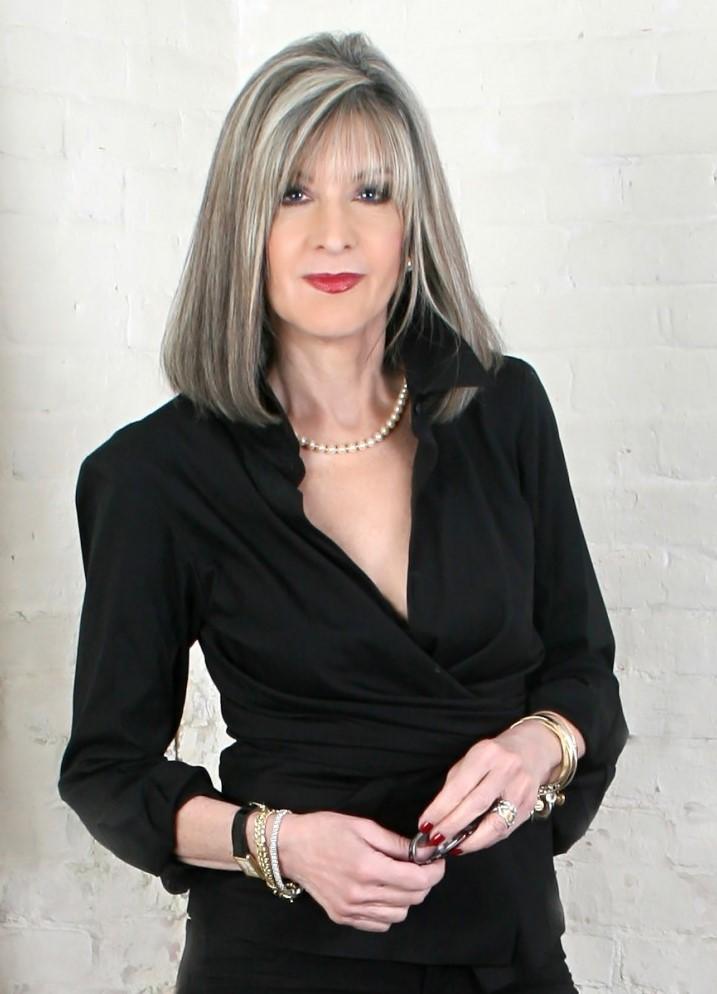 Photo of author Hank Phillippi Ryan in a black dress