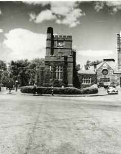 Hunt Memorial Library and First Church