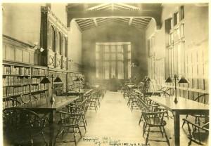 Hunt Memorial Library: Interior
