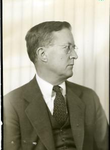 Eliot Carter