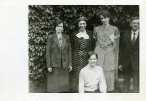 Marion Manning, Christine Rockwood, Rachel Sanborn, Oscar Ballou. In front Elizabeth Spring